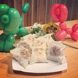 貴賓狗氣球小泡芙 巧克力跟原味超好吃 李亭香餅店